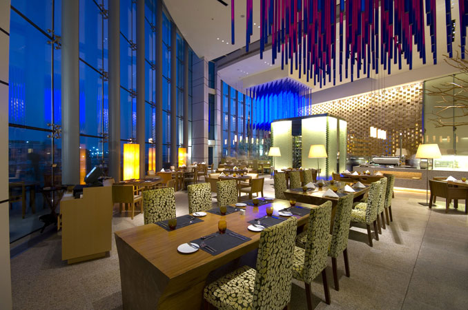Hotel intercontinental dubai festival city dubai for Gucci hotel dubai